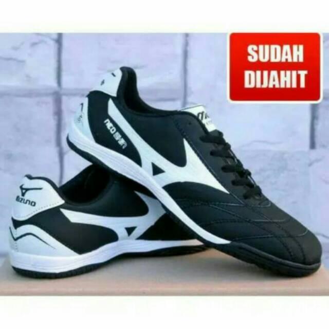 sepatu futsal mizuno Neo Shin hitam list putih