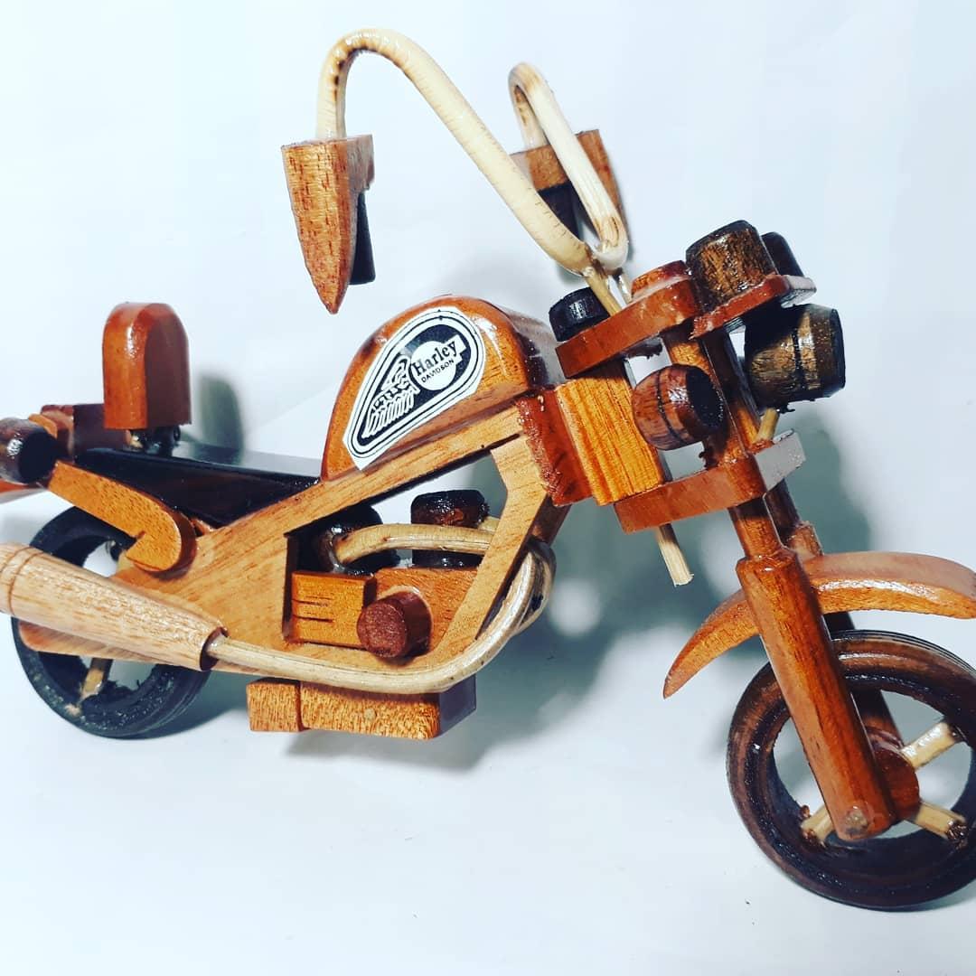 Mainan Motor Harley Kayu Klasik Jadul Craft Wooden Miniatur Moge Gift Handycraft Kerajinan Tangan Bali Toys