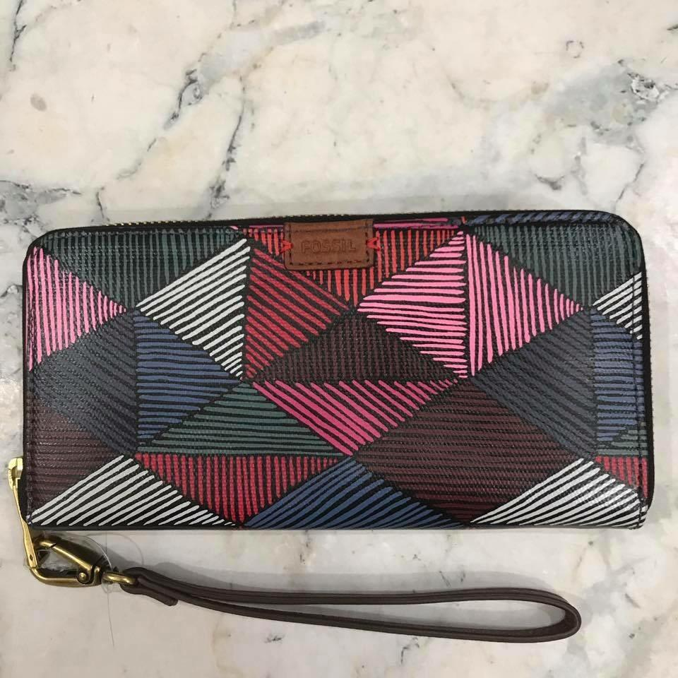 Fossil Emma Tote Blue Multi Zb6911 Biru Color Daftar Harga Keely Red Zb 6934995 Dompet Rfid Long Zip Clutch Pink Xv5nveidr1250200 Rp 1269000