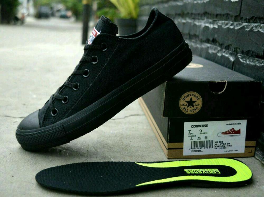 Promo Sepatu Converse Chuck Taylor II With Lunarlon Full black sneaker pria wanita sekolah Diskon