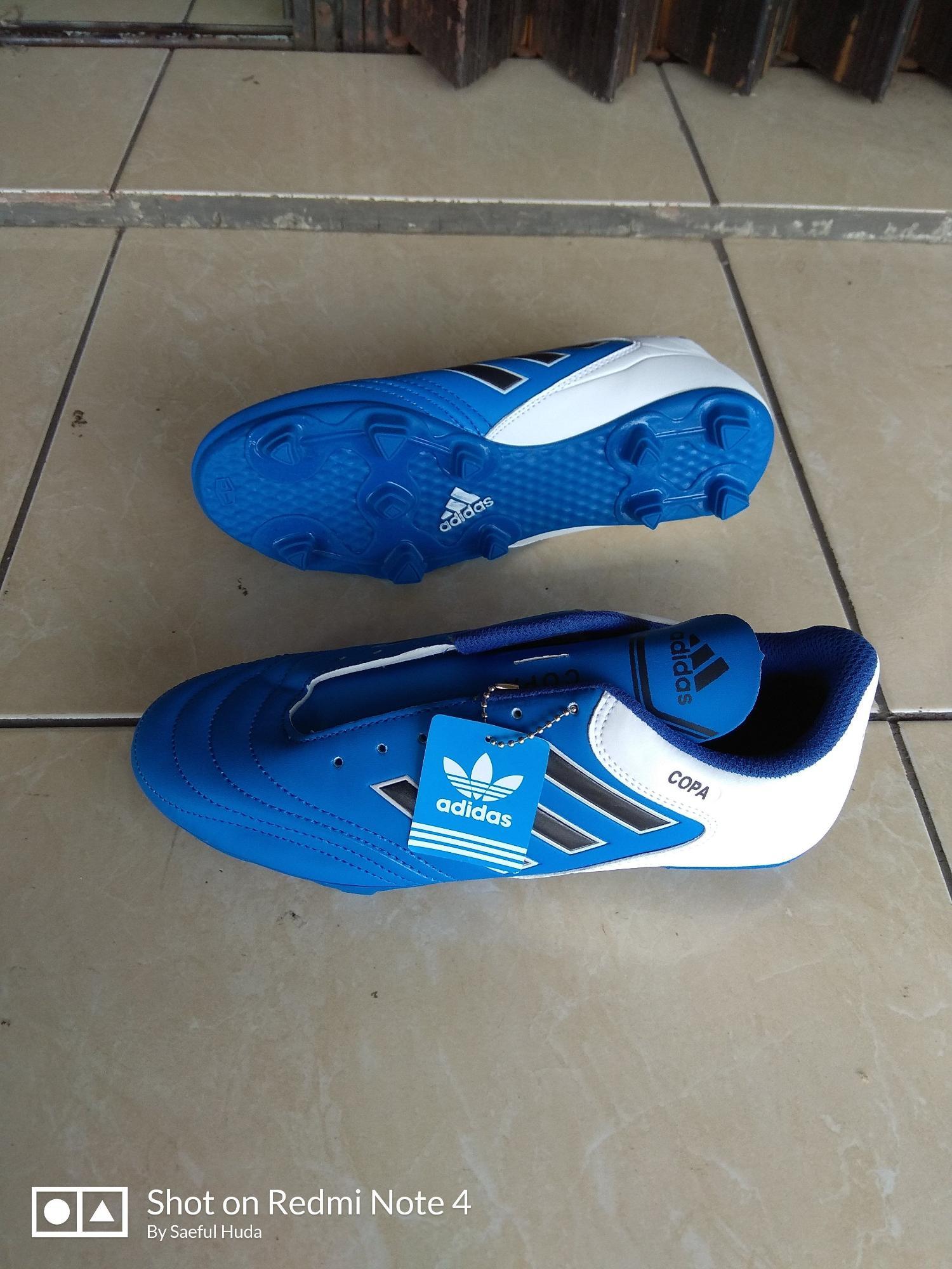 Sepatu bola Adidas Copa biru murah