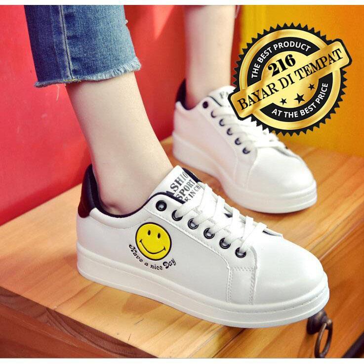 Sepatu Kets Sneaker Wanita / Kets Smile / Sepatu Murah