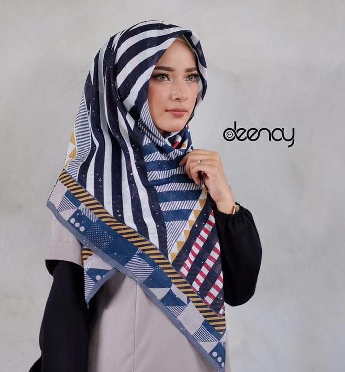 HIJAB PRINTED / KERUDUNG SEGI EMPAT BY DEENAY/ VOAL PRINTED SCARF - Hijab Kekinian - Hijabers - Hijab Produk - Produk Best Quality - Fashion Wanita