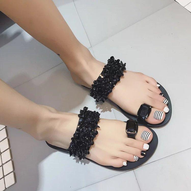 Versi Korea dari sandal kata baru perempuan musim panas mode berlian imitasi bawah datar kasual lapisan tebal sandal kaki di luar mengenakan sandal pantai Tidak Ditentukan