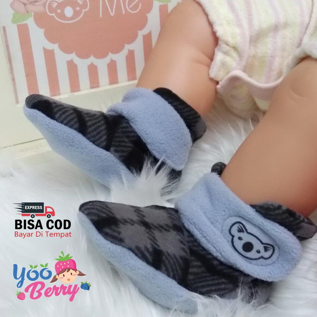 The Cheapest Price Yooberry Cuddle Me Baby Cape Jaket Bayi Anak 0 3 Mantel Red Sepatu Prewalker Fitted Booties Monochrome