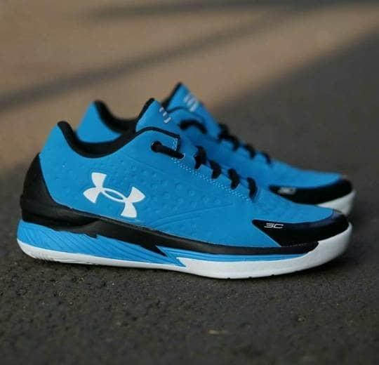 Sepatu basket Underarmour Curry murah ready stock!!!