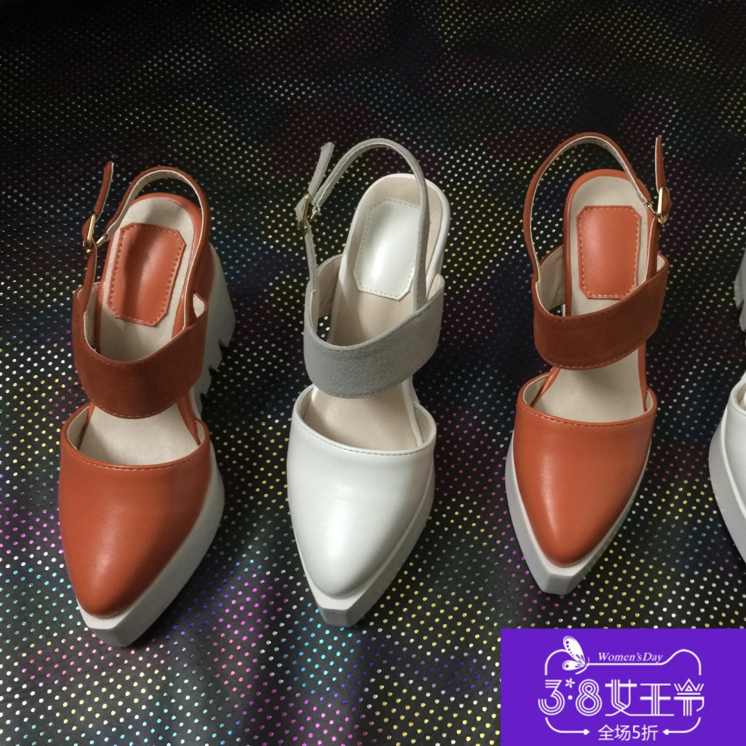 2018 Musim Panas Wanita Sandal Baru Gaya Pendakian Tumit Pack Kepala Sandal SHARP End Kulit Bintang Bersama gaya Tebal Bawah Daftar Sepatu Putih Sepatu Wanita 5 Dolar-Intl