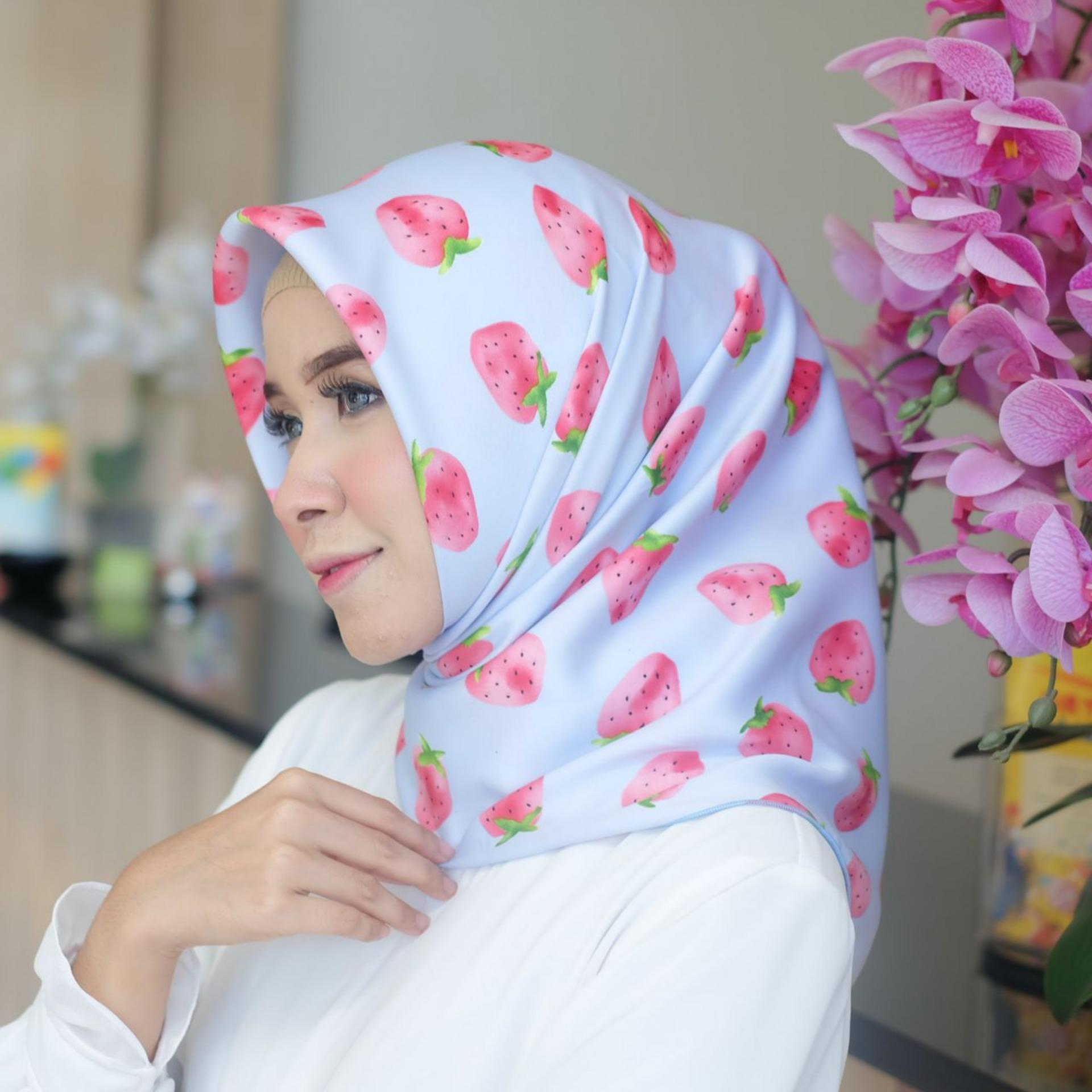Harga Jilbab Velvet Terbaru 2018 Web Segiempat Hijab Kerudung Segi Empat Silk Strawberry
