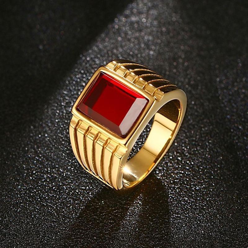 Besar Merah Batu Cincin untuk Pria Keren Gold-Warna 316L Anti Karat Perhiasan, Ukuran 7-12-Intl