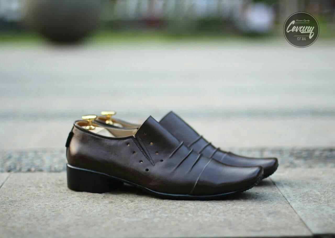 Detail Gambar Sepatu Cevany Pantofel Kulit Asli Remple Putih -Sepatu Formal  Pria - Pantofel Kulit Sapi Asli Terbaru f0e12333d8