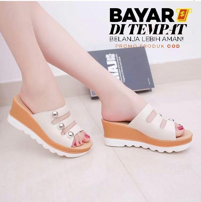 Ginshashop - Sepatu Wanita Sandal Wedges Slop Kancing GWS - 1177 Cream sandal wedges / wedges wanita / wedges hak tinggi