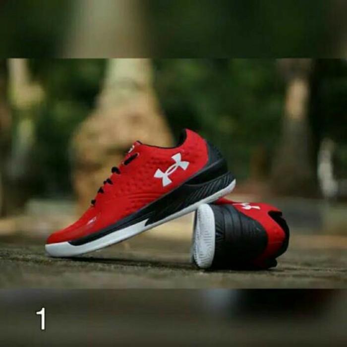 Promo Termurah Sepatu Outdoor Pria Under Armour Untuk Fitness Basket Cowok Macho Gratis Ongkir