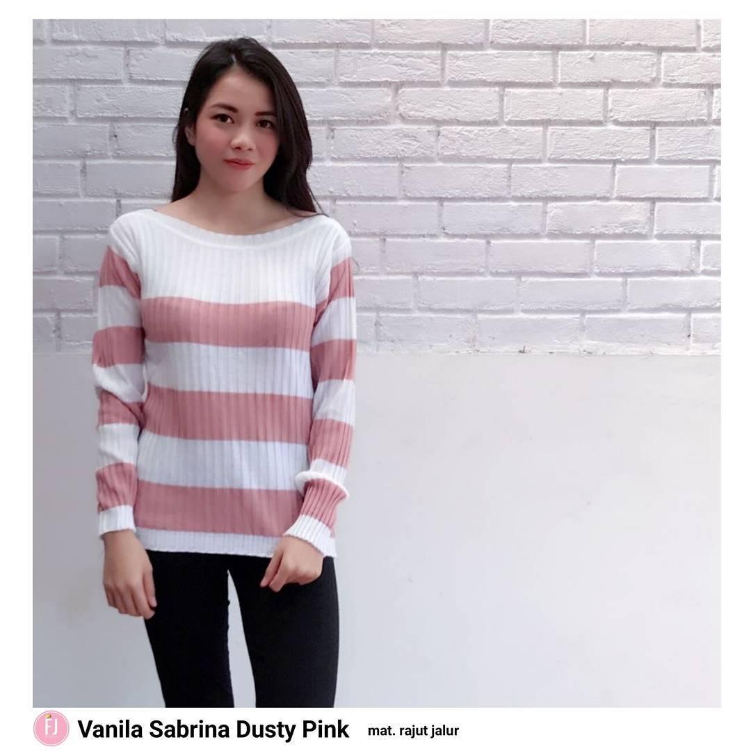 Sweater Vanila Sabrina Outer Rajut Halus Baju Wanita Muslim Pakaian Hangat Wanita Atasan Simple Baju Wanita Hijab Casual Modern Trendy Baju Model Terbaru 2018