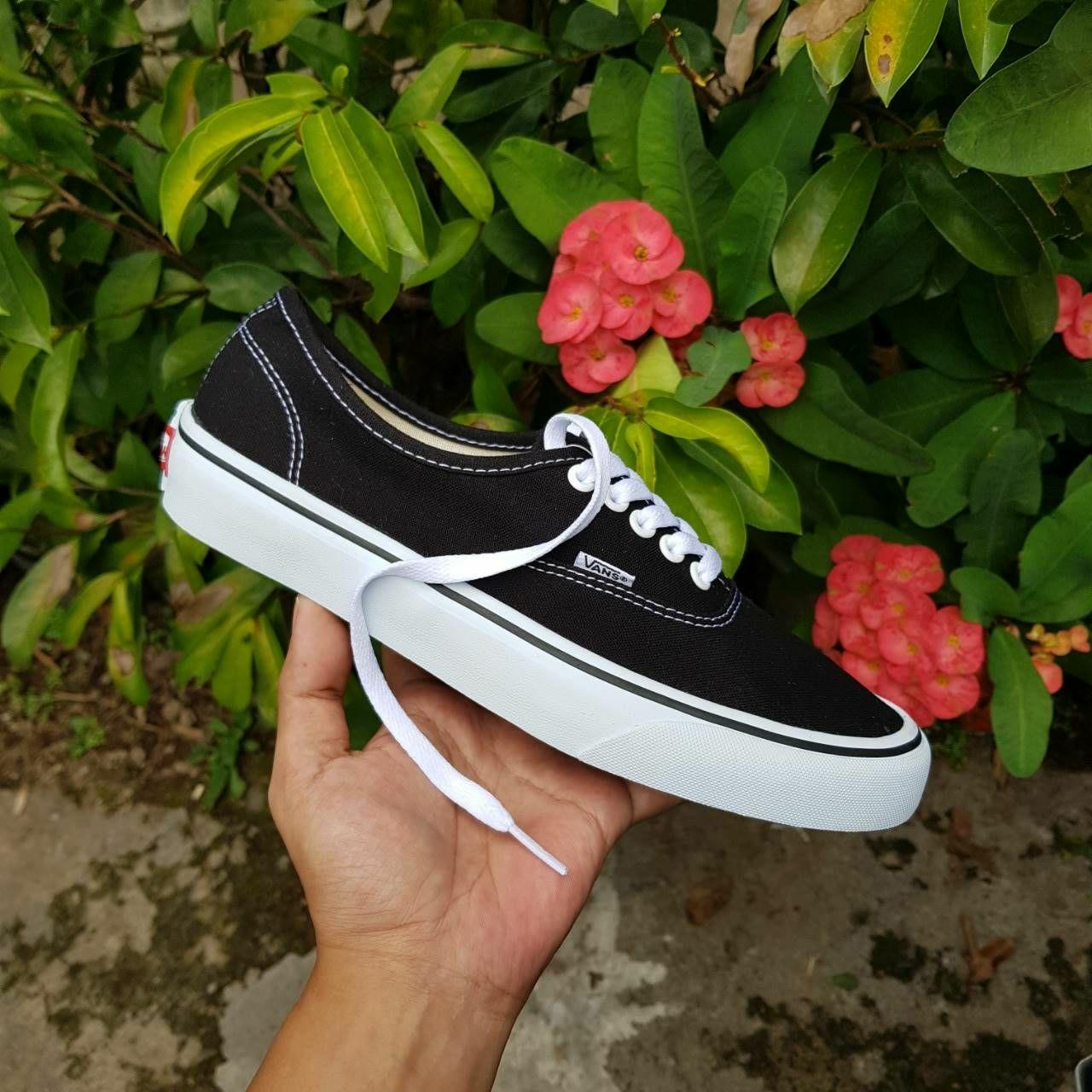 Promo Sepatu Vans Authentic Black White
