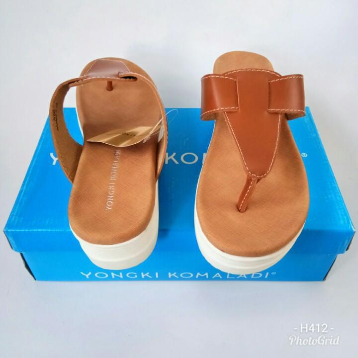 Sandal Yongki Komaladi HTB2TN653 sandalwedges sandalslop sandalflat sandalcasual sandalbranded