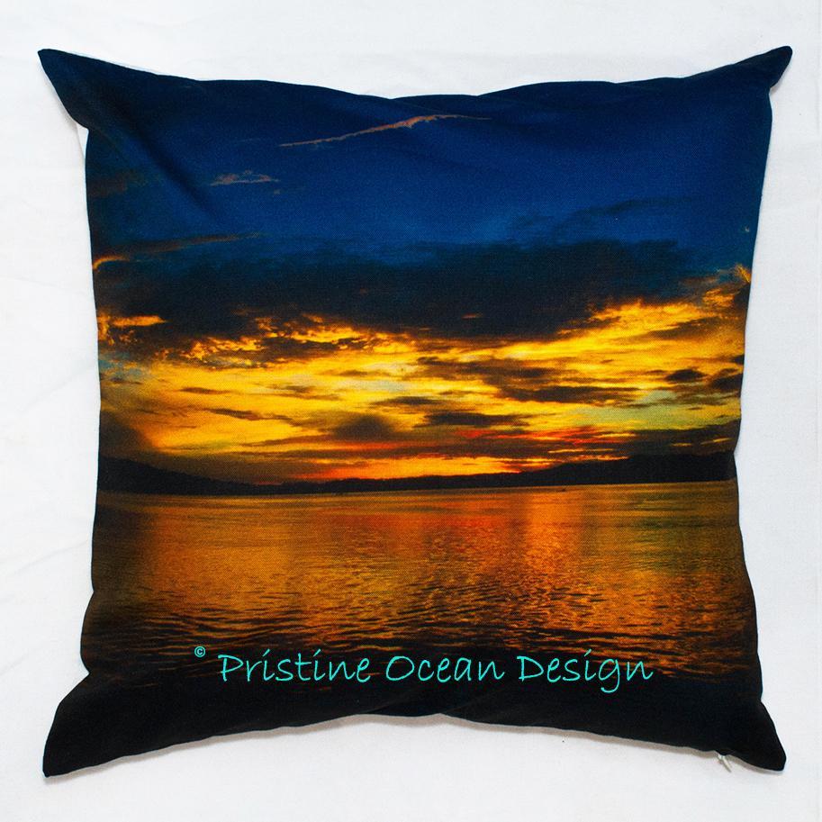 Sarung Bantal Sofa Cushion Cover Beautiful Sunrise On The Calm Ocean Ukuran 40x40cm Bahan Canvas Linen. Koleksi sarung bantal sofa yang kami jual memiliki keunikan tersendiri dan tidak ada dijual di pasaran atau pertokoan.