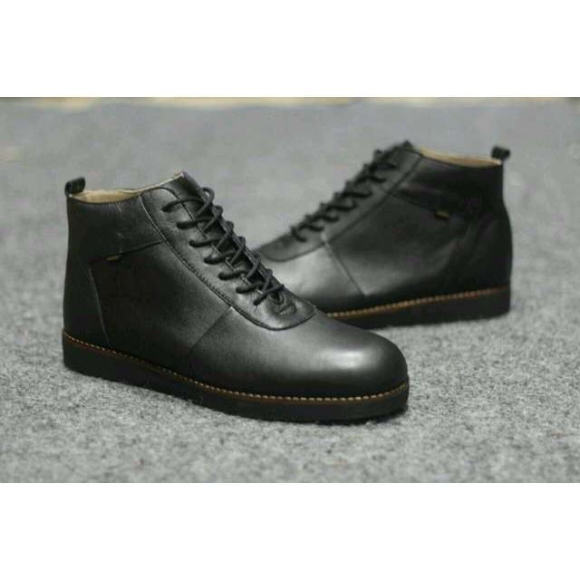Sepatu Boots Pria CEVANY ORIGINAL Handmade Pantofel Adidas Casual Kickers Boot Nike Sneakers