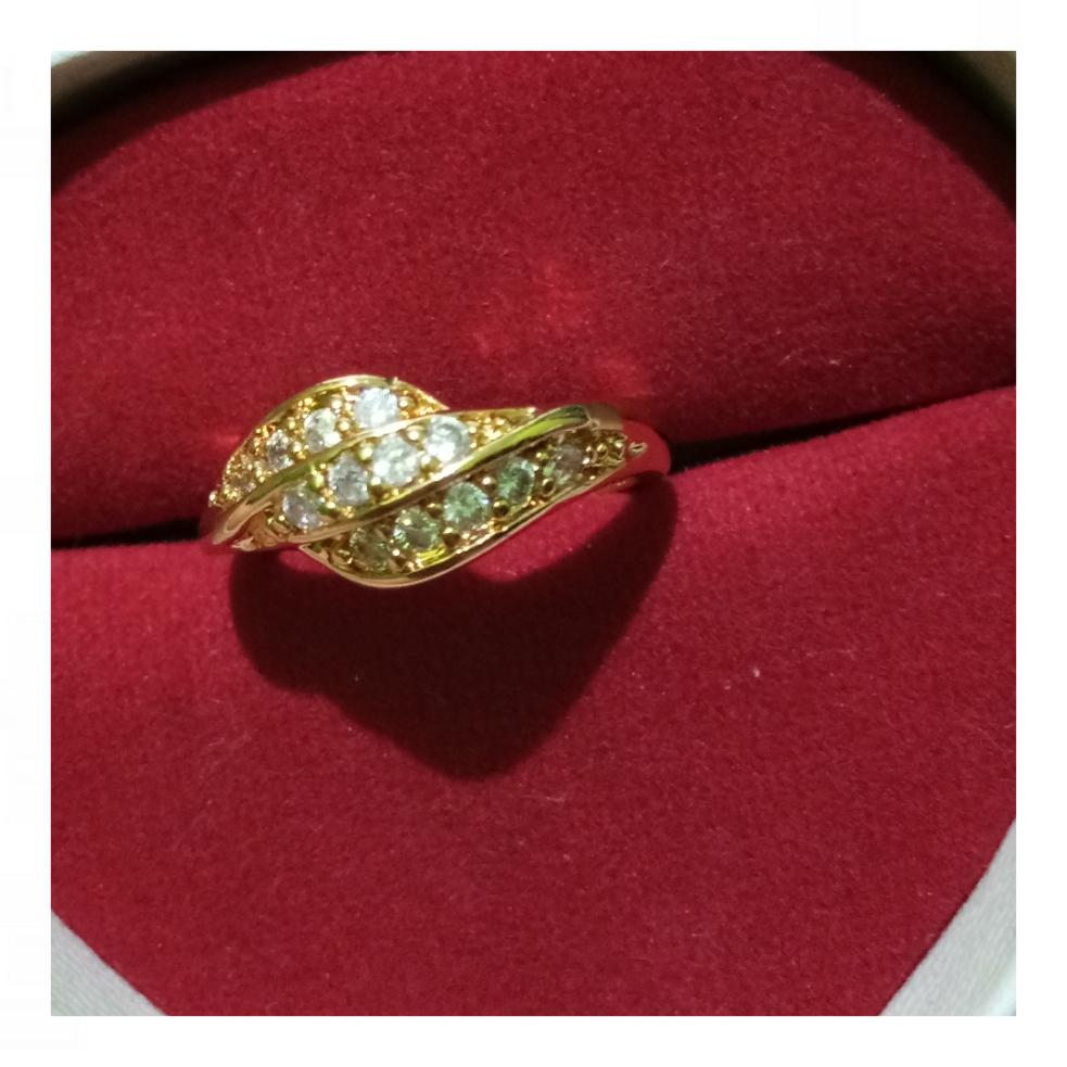 Cincin Xuping Perhiasan Wanita Kemilau Emas - Xuping Gold Simple