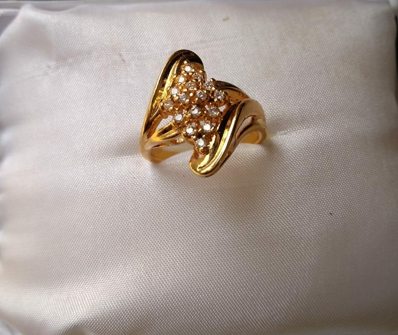 Cincin Xuping Perhiasan Wanita motif bunga cantik lapis emas-Xuping Gold