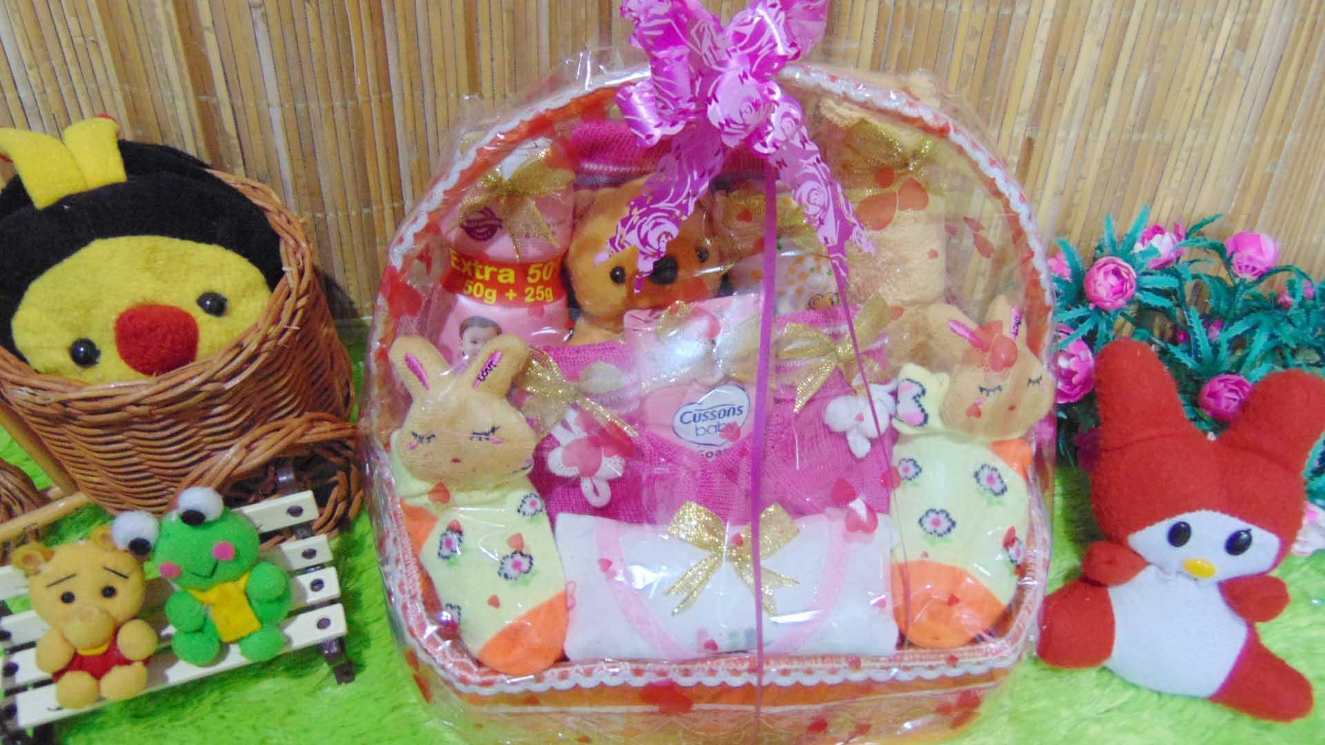 kembarshop - TERLARIS paket kado bayi baby gift – kado lahiran – parcel kado bayi – parsel bayi laki-laki – keranjang lilit GIRL pink merah istimewa komplit