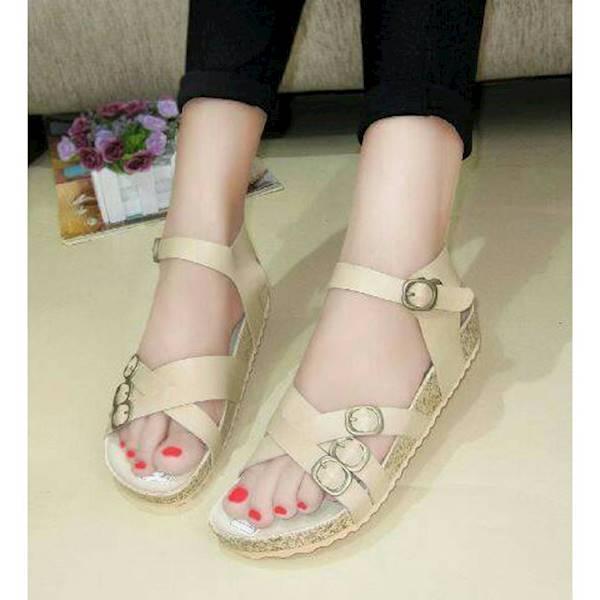Sepatu Sandal Wanita Simpel Sandal Simple Carvil 4 Gesper Tali Cream