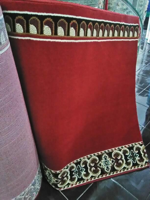 Karpet Masjid/Permadani Warna Merah