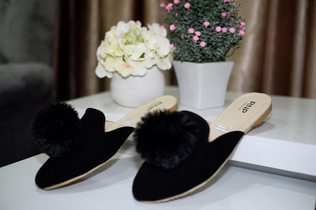 Sendal Pom Wanita Casual Teplek Selop Bulu Loafers Suede Sandal BP 01