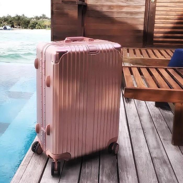 Koper dengan ukuran 20inch Bahan Plastik Ringan Airport Cabin Bagasi
