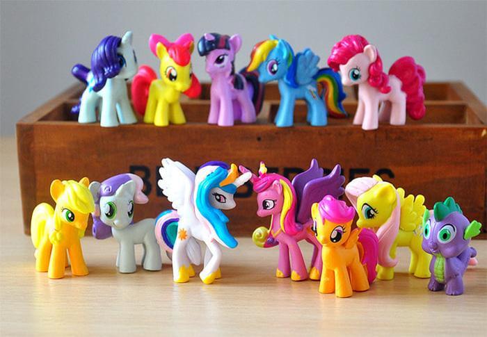 My Little Pony 1 set isi 12 pcs / Hiasan Kue / Mainan My Little Pony isi 12 pcs / Miniatur Pajangan My Little Pony Cewe Cowo Ulang Tahun Dekorasi Mainan Little Pony Original Murah 12 pcs Kualitas Bagus dan Aman Untuk Anak Kecil Warna Unik / Toys