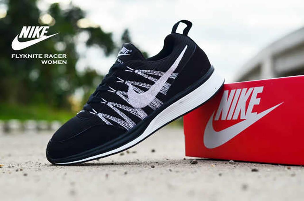 Promo Sepatu Wanita Nike Flyknite Racer Black Olahraga Jogging Fitness Senam Diskon