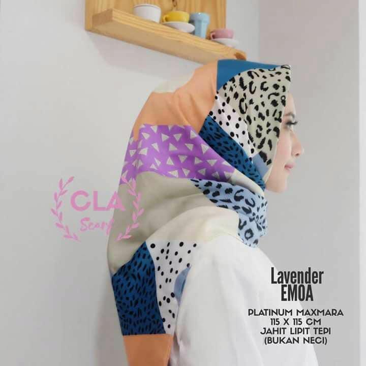 Jilbab model segi empat Motif bunga cantik Bahan maskmara silk Pinggri dijahit rapi
