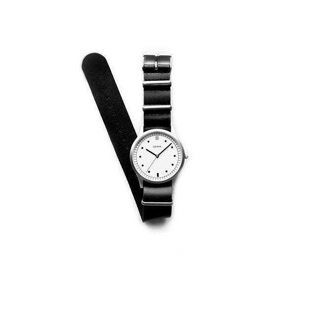 Jam tangan Matrix White