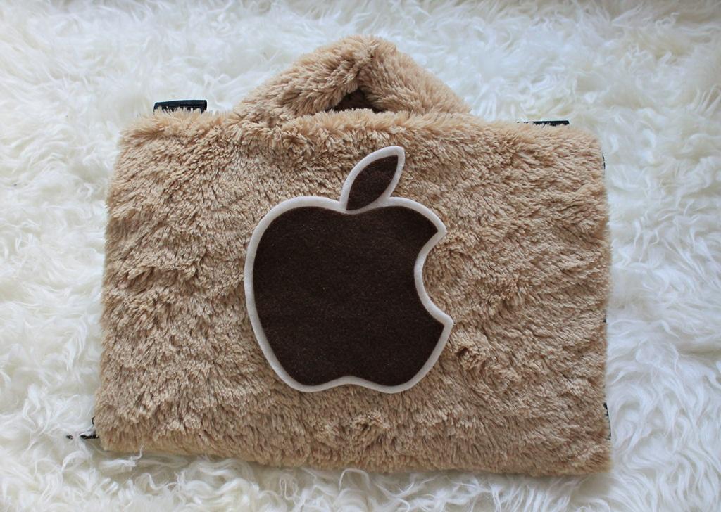 Apple / Apel  Bulu Lebat Rasfur 10 Inch Softcase Tas Laptop Notebook Macbook Wanita Lucu