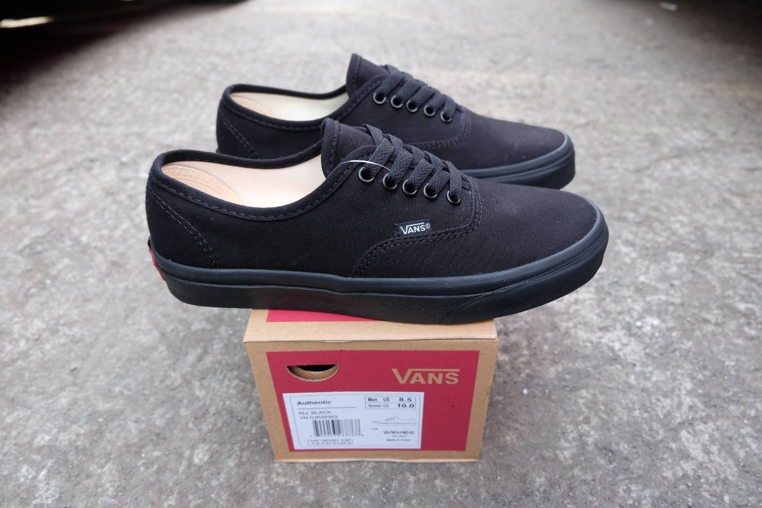 sepatu sneakers vns authentic allblack wafle dt 450e4abea0