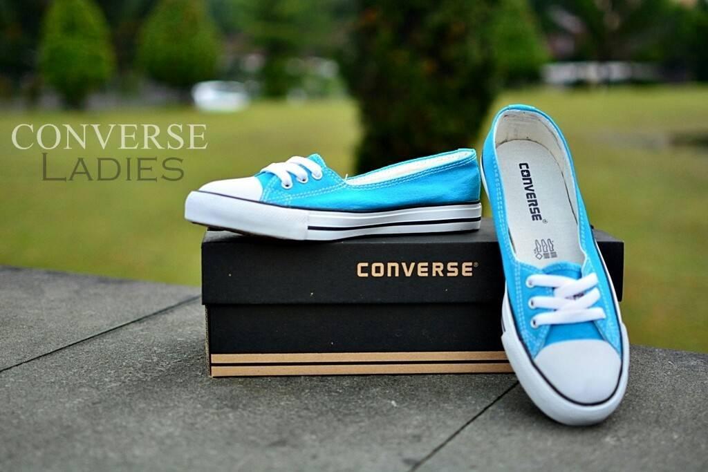Sepatu Sneakers Converse Wanita 3 hole import(Sepatu Olahraga 5a0e9239d1