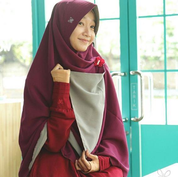 Hijab Syar'i Alila - GreyBerri Berri Perdana Size L