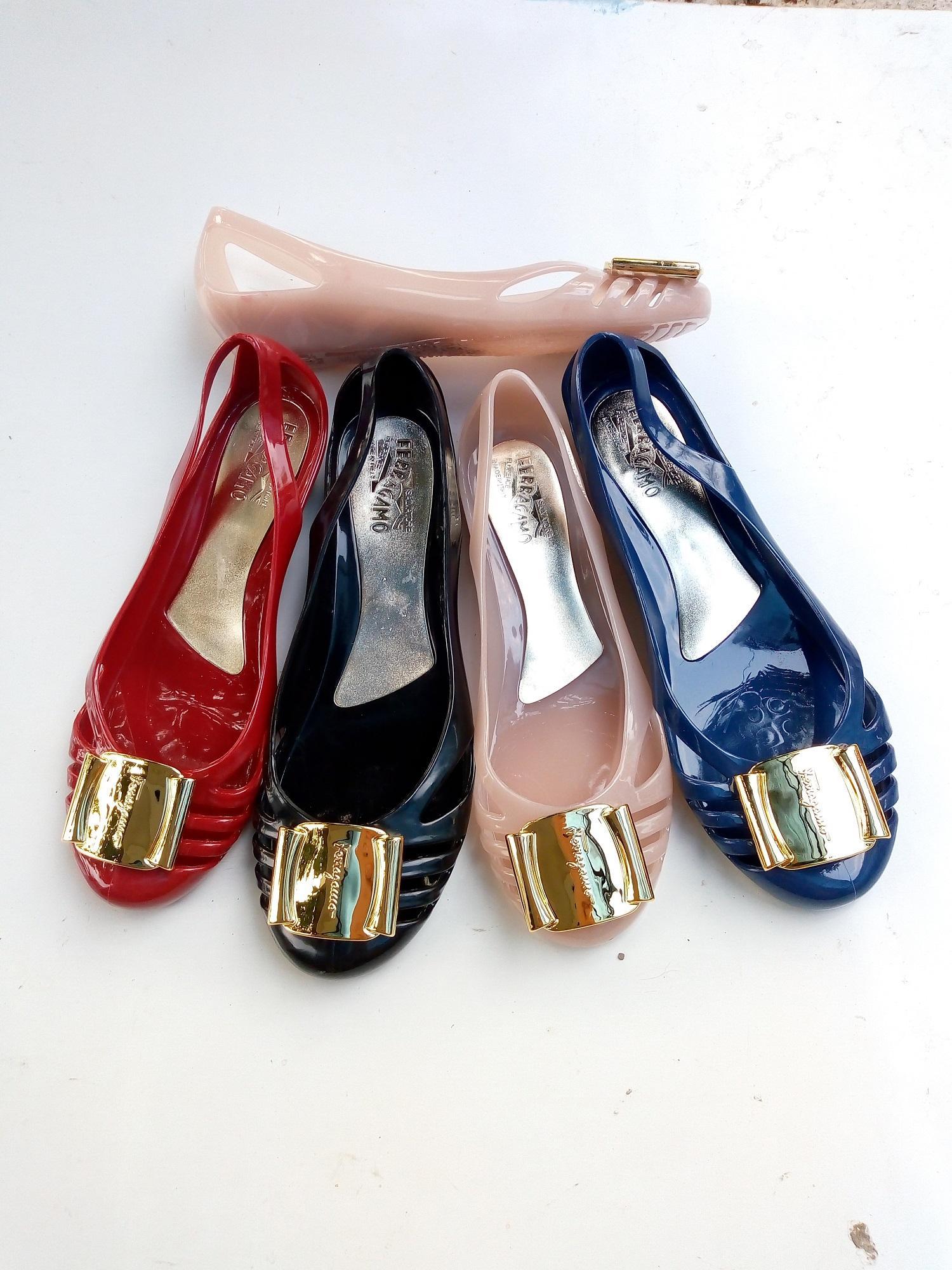 Detail Gambar Myanka Jelly Shoes Flat Ferrag Standar - Hitam - Terkini