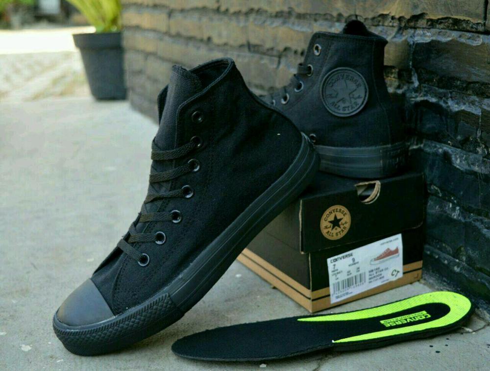 Promo Sepatu Converse Chuck Taylor II With Lunarlon High Full Black sneaker pria wanita sekolah Diskon