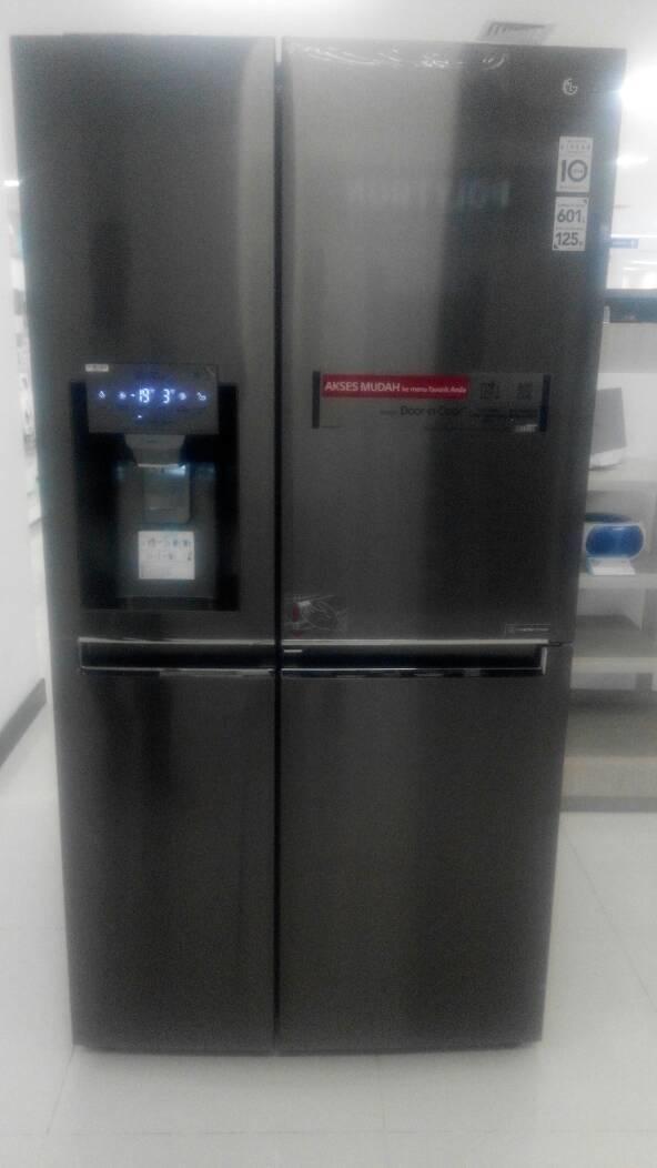 Kulkas side by side LG dispenser Door-in-door GC-J247CKAV