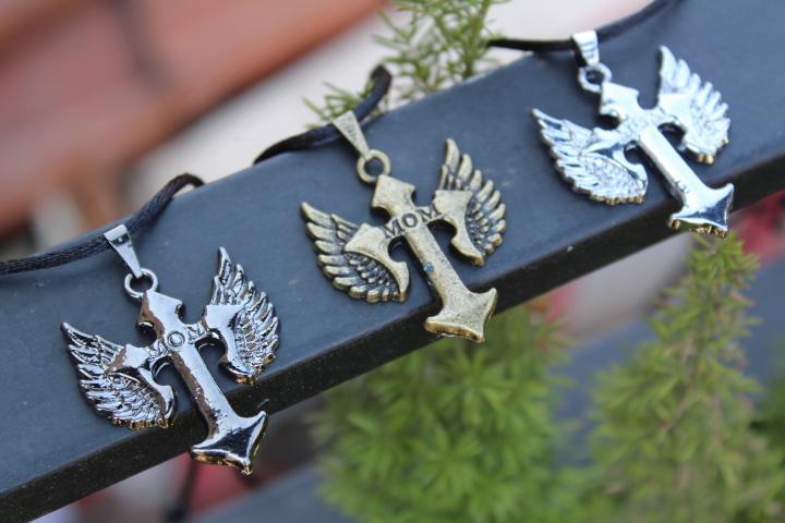 Detail Gambar Kalung Tali Bandul Pedang Sayap KTB-697 Terbaru