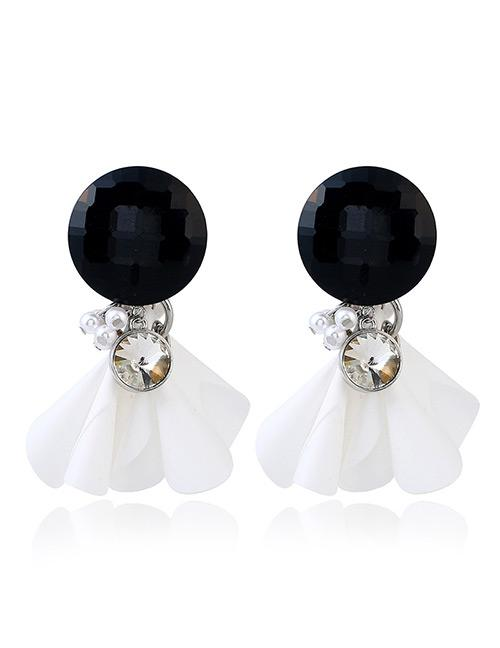 LRC Anting Fashion White Pearls&diamond Decorated Simple Earrings