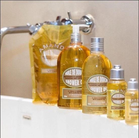 PROMO TERBATAS!!! Loccitane Almond Shower Oil : . Refill 500ml : 500rb (CP 540) Terbaik Murah Ori