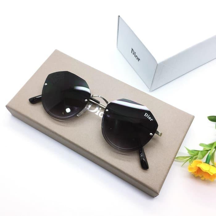 Kacamata / Sunglass Wanita Dior M-8066 Fullset + Cairan Pembersih