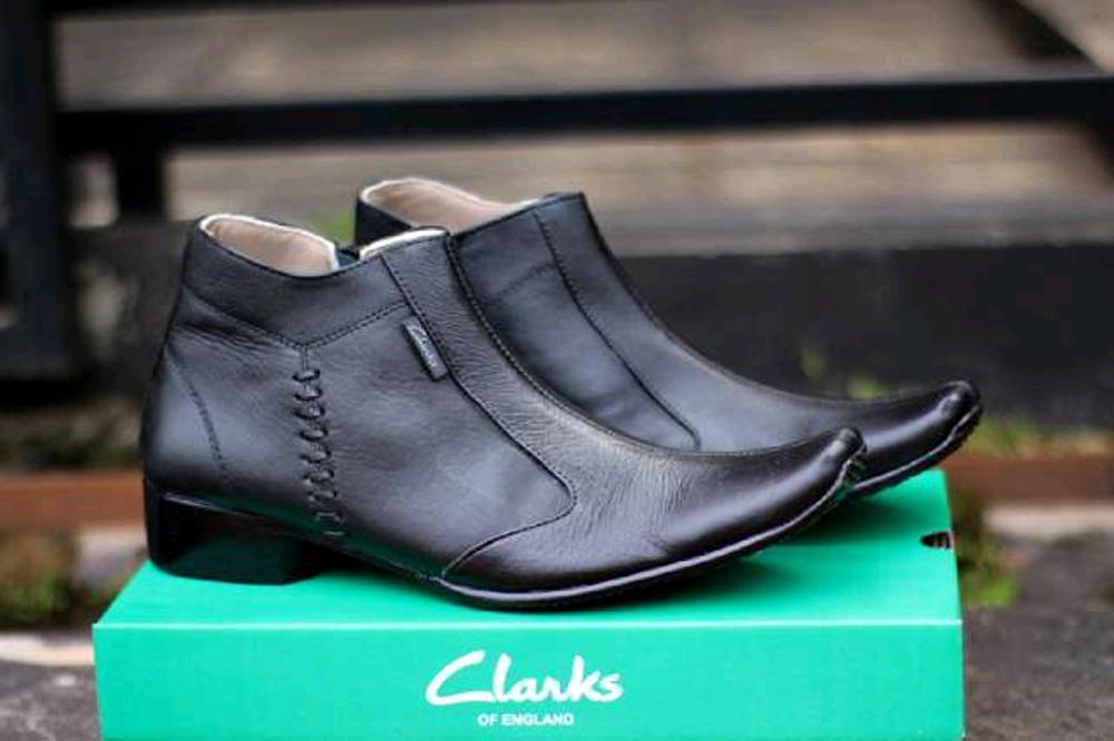 Promo Sepatu Pantofel Clarks Kulit  Fashion