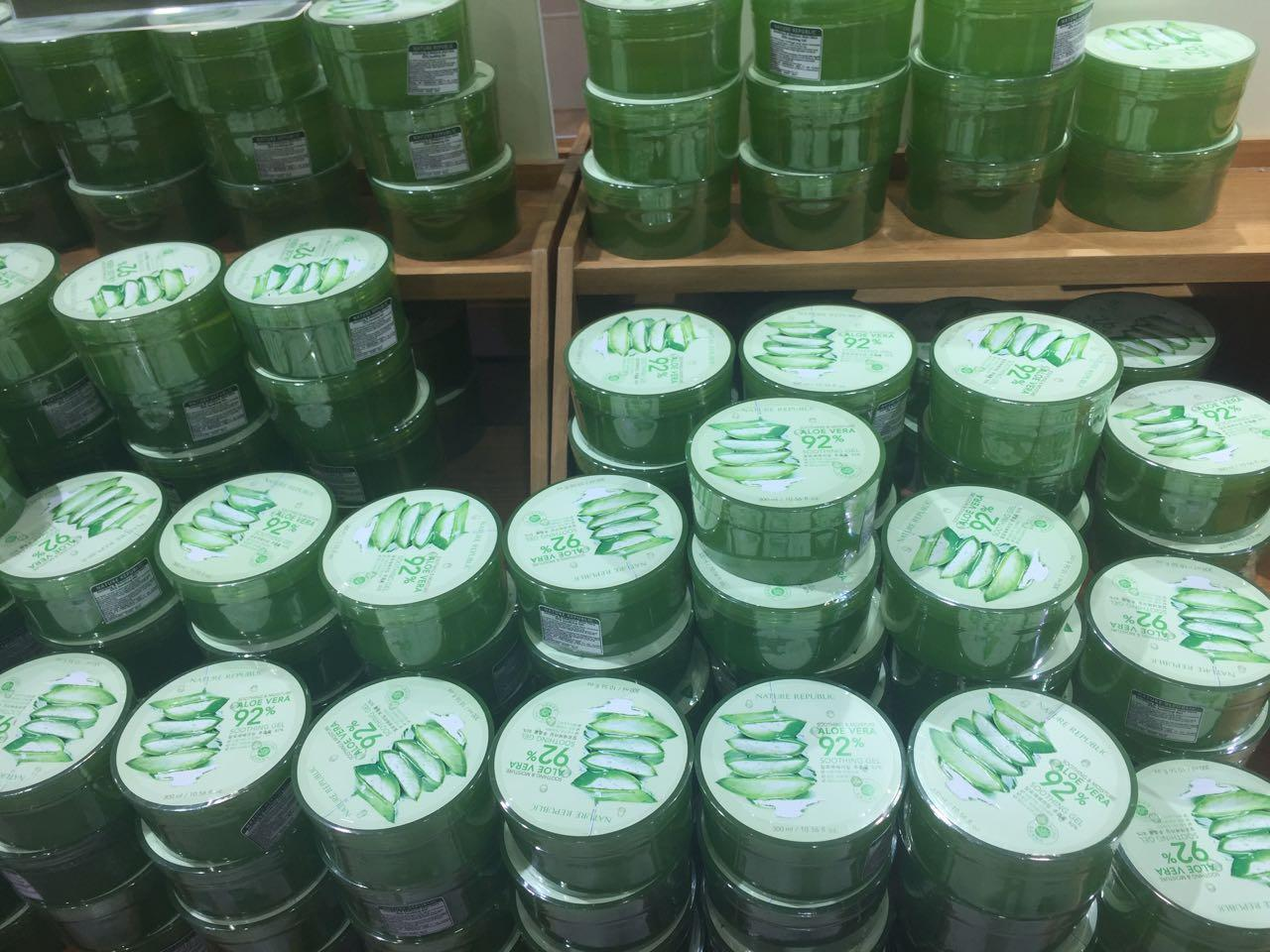 Jual Produk Aloe Vera Online Terbaru Di Terlaris 92 Soothing Gel Nature Republik Cream Ajaib Serbaguna Farrykairo Republic Moisture Shooting