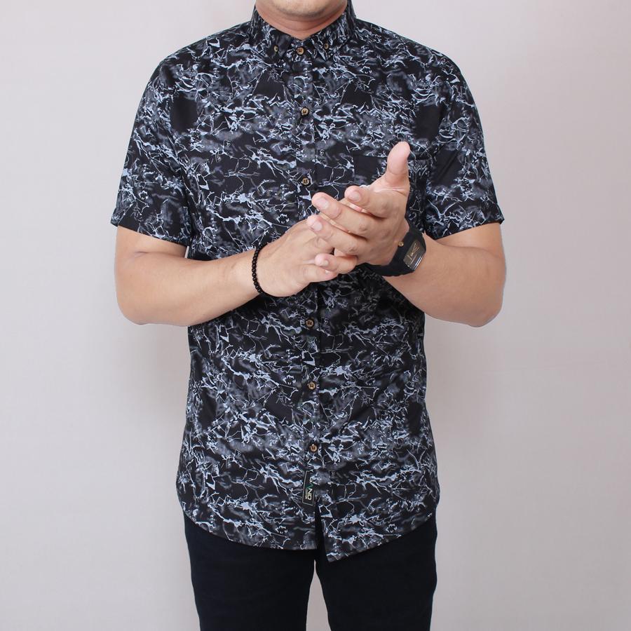 Zoeystore1 6004 Kemeja Printing Pria Lengan Pendek Exclusive Baju Kemeja Cowok Formal Kerja Kantor Kemeja Distro