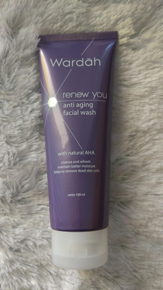 Wardah Renew You Facial Wash
