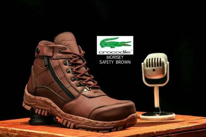 sepatu boots pria cocok untuk kerja lapangan safety shoes ujung besi sepatu touring pria sepatu boots kulit Sepatu boots safety pria crocodile morisey proyek kerja lapangan ujung besi kulit import murah ukuran 38 39 40 41 42 43 44