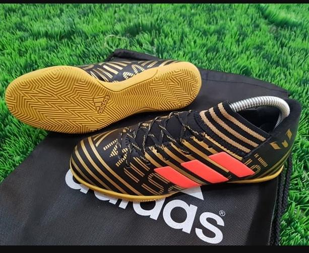 Futsal Adidas Nemeziz Messi17.3 IC - Core Black Tactical Gold
