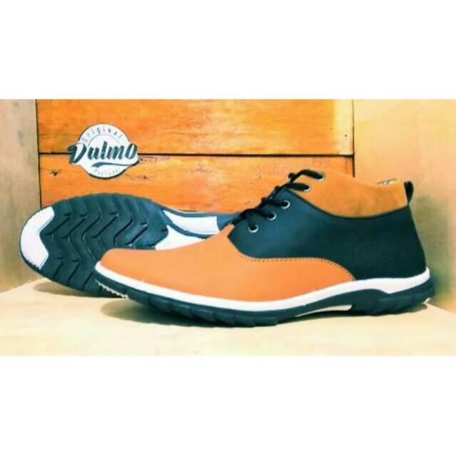 Sepatu Original Dalmo Boots Bantal adidas nike boot casual sneakers murah crocodile pantofel formal